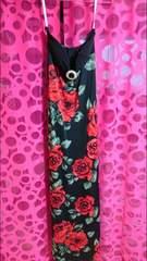 薔薇柄ドレス