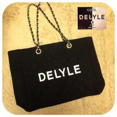 delyle◇DELYLEロゴ入りキルティングチェーンバッグ 美品
