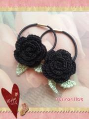 ハンドメイド/手編み♪レース編みお花のヘアゴム2個セット 517