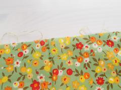 はぎれ 花柄 パッチワーク レトロ 小花 グリーン 黄色