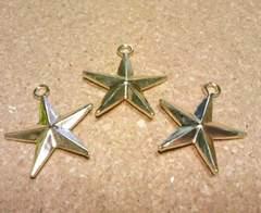 立体星チャーム3個ゴールド