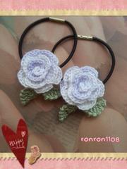 ハンドメイド/手編み♪レース編みお花のヘアゴム2個セット 565