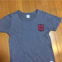 R.NEWBOLD Tシャツ