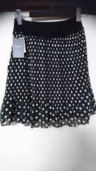 新品 黒 プリ—ツスカート