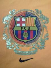 サッカー NIKE ナイキ スペイン FC バルセロナ エンブレム プリント Tシャツ オレンジ XLサイズ
