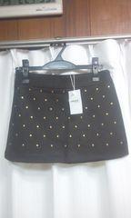 新品未使用タグ付き黒にゴールドスタッズ付きミニスカート(B330