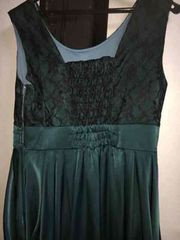 ☆一回着用☆美品☆濃いグリーンのドレス☆11号