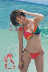 【送料無料】 AKB篠田麻里子 写真5枚セット<サイン入> 20