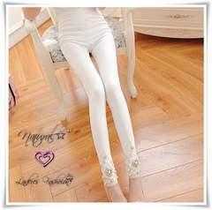 新作★大きいサイズ3L フェイクパール&裾刺繍レース ストレッチレギパン*白