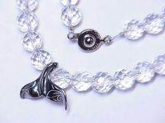 幸運を呼ぶハワイアンジュエリー ホエールテール×ダイヤカット水晶ネックレス 人気
