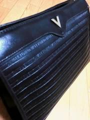 マリオヴァレンチノ/MARIO Vロゴ総柄革製セカンドバッグ黒