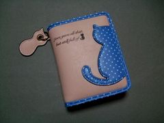 【即決 激安】可愛らしい〜猫ちゃん2つ折財布 新品 淡いピンク