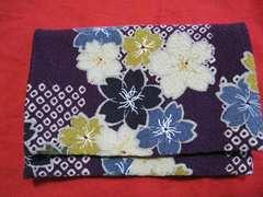 着物生地 桜花柄とワインレッドリバーシブル カードケース ポーチ  未使用