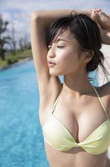261★小島瑠璃子 L判 写真 20枚 水着 セクシー グラビア モデル