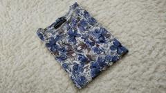 秋らしい 花柄 Tシャツ