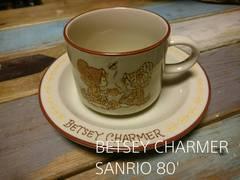 サンリオ BETSEY CHARMER コ-ヒ-カップソ-サ-付き レトロ 80'