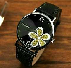 1円〜◆Blackに映えるgold ラメ flower 腕時計