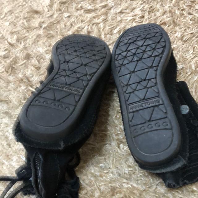ミネトンカ 黒ブーツ サイズ7 < ブランドの