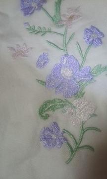 ハニーズお花刺繍白デニムスカートMサイズ