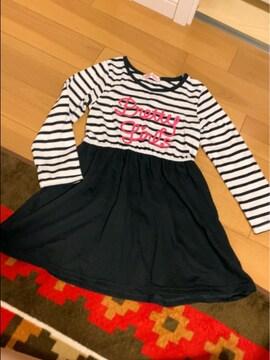 白黒ラメロゴが可愛い一枚で楽ちんコーデ重ね着みたいなワンピ