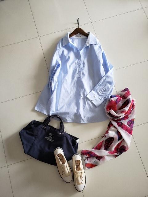 23区☆定価1.8万オーガニックコットンのさわやかシャツブラウス < 女性ファッションの