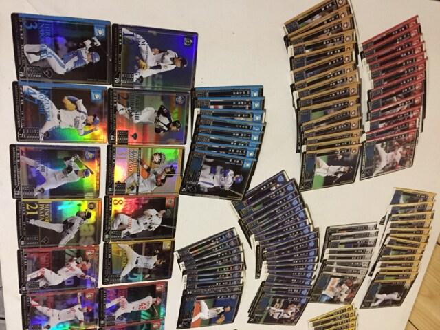BBM ベースボールカード 約144枚 内キラキラ14枚セット < トレーディングカードの