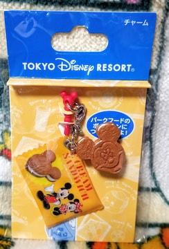 TDR☆ミッキー【チャーム】人気パークフード「ミッキー・クッキーサンドアイス」★イヤホンジャック付