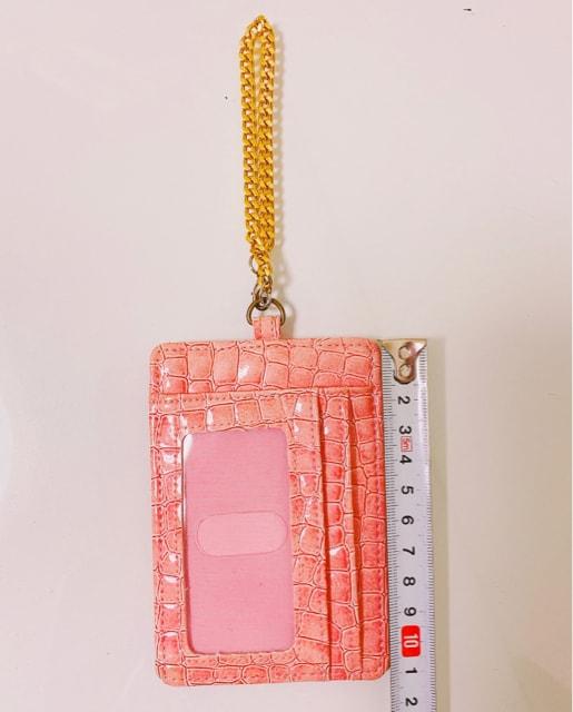 型押しピンクゴールドパスケースカード入れエナメルパテント金 < 女性ファッションの