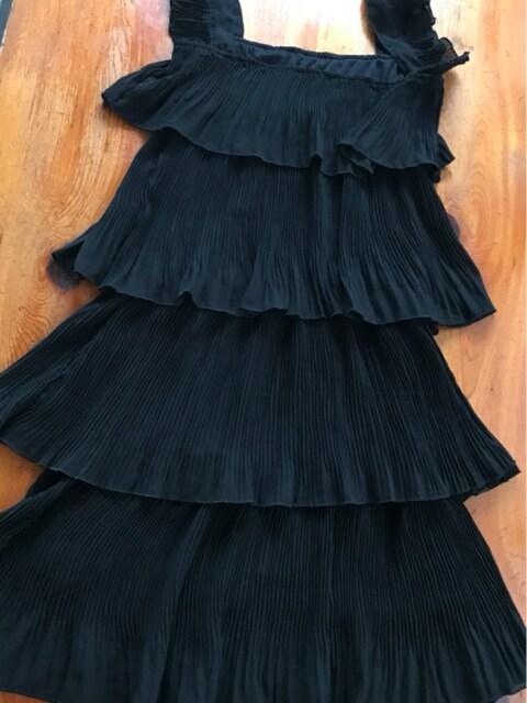 No:1 黒4段ギヤザーワンピース 宴会ドレス サイズM  < 女性ファッションの