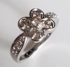【美品】プラチナ900☆ダイヤモンドリング☆指輪☆フラワーモチーフ☆クローバー