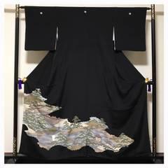 美品【上質 逸品】正絹 黒留め袖 比翼付き 五つ紋入り 中古品