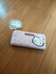 ☆新品 花柄キティ長財布☆