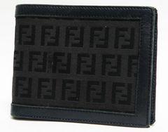 本物 FENDI フェンディ 二つ折り財布 FF柄 ズッカ 黒