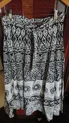■春物美品モノトーンアジアン柄フレアーロングスカート■