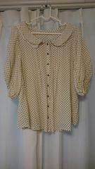モモンガ袖のドットシャツ