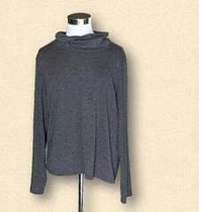 新品グレーハイネックロングTシャツ4L