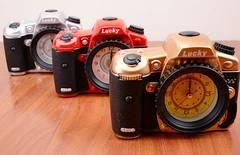 カメラ型目覚まし時計 インテリアに最適  置き時計 3色