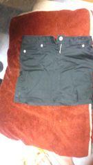 ブラックミニスカート