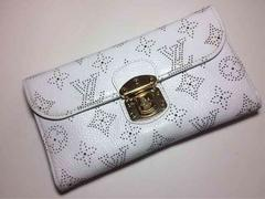 LouisVuitton マヒナ三つ折り長財布(ホワイト)