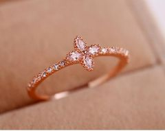 特A品★送料無料★ ダイアモンド クローバー リング 婚約指輪