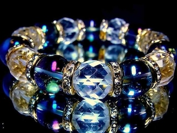 64面カット水晶§ブルーオーラ14ミリ金ロンデル数珠