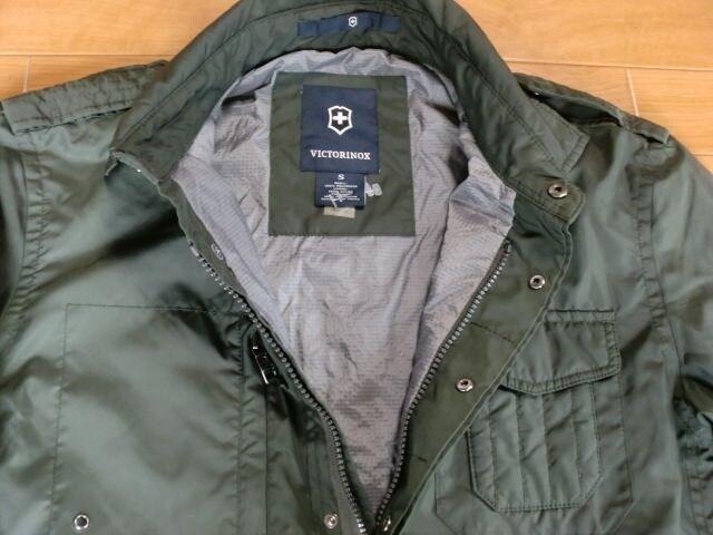 ビクトリノックス 中綿入り ジャケット Sサイズ < 男性ファッションの