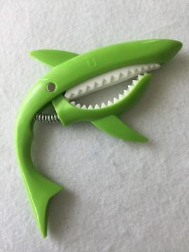 送料無料 新品 ■ ギター サメ カポタスト カポ  グリーン 緑