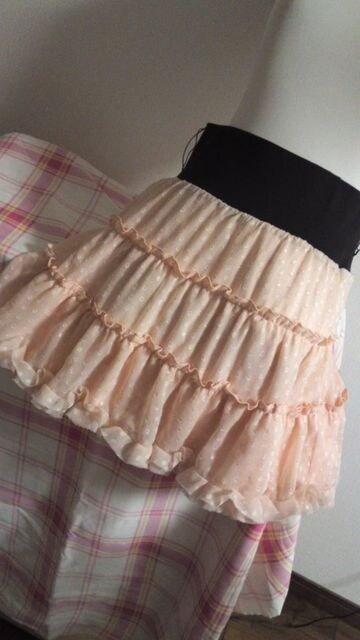 新品ウエストリブシフォンフリルスカートM ピンク < 女性ファッションの