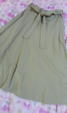 GUウエストリボン結びフレアスカート美品