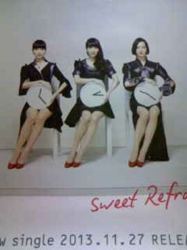 Perfume「Sweet Refrain」 告知ポスター