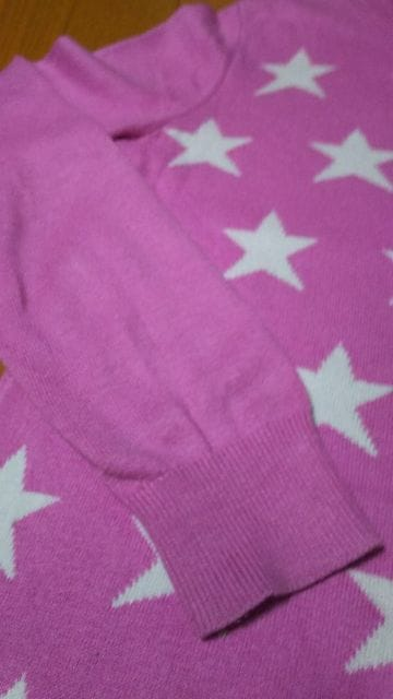 UNIQLO ユニクロ 150�p 女の子 ピンク セーター スター柄 < ブランドの