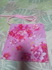☆新品濃ピンク×桜蝶ラメ入柄ナナメ掛巾着袋