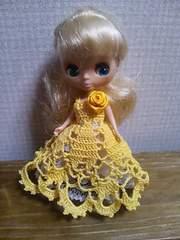 プチブライスof山吹色のレース編みドレス