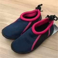 新品タグ付き17cm水陸両用靴ピンク�A